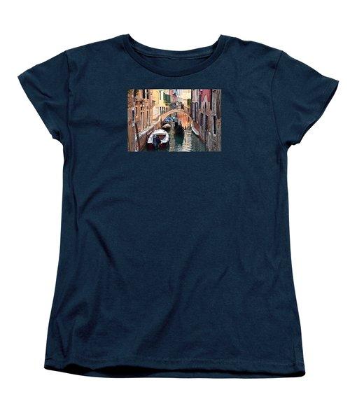 Venice Gondolier Women's T-Shirt (Standard Cut) by Frozen in Time Fine Art Photography