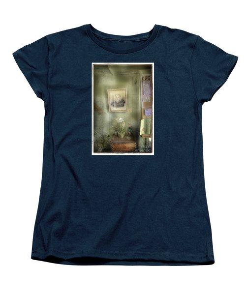 Vinalhaven Mother Women's T-Shirt (Standard Cut)