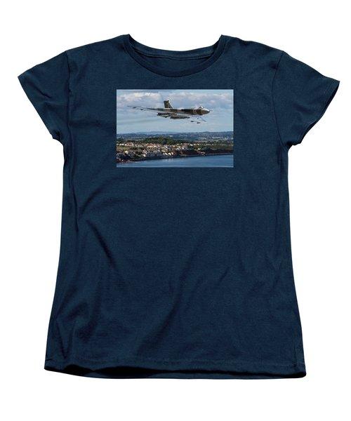 Vulcan Bomber Xh558 Dawlish 2015 Women's T-Shirt (Standard Cut) by Ken Brannen