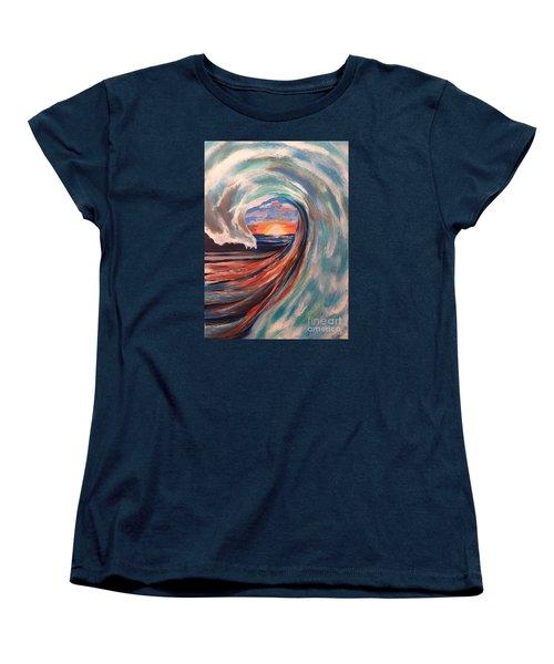 Wave Women's T-Shirt (Standard Cut)