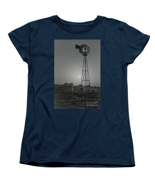 Women's T-Shirt (Standard Cut) featuring the photograph Windmill At Dawn by Robert Frederick