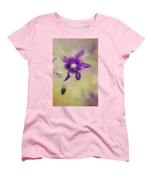Columbine Flower Women's T-Shirt (Standard Fit)