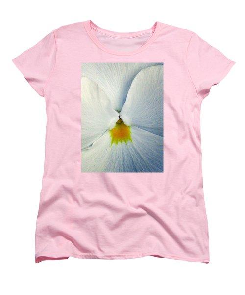Pansy Flower 19 Women's T-Shirt (Standard Cut)