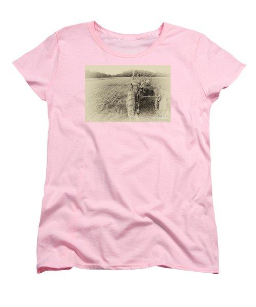 Peach Glen Pennsylvania Women's T-Shirt (Standard Cut) by Tony Cooper