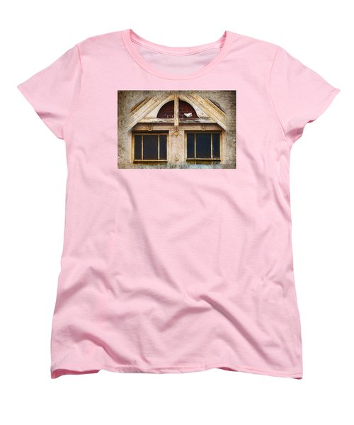 Women's T-Shirt (Standard Cut) featuring the photograph Ready To Nest by Cynthia Lagoudakis