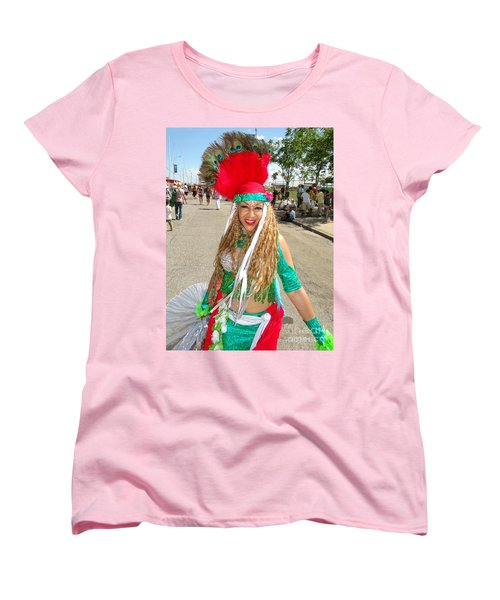 Women's T-Shirt (Standard Cut) featuring the photograph The Smile by Ed Weidman