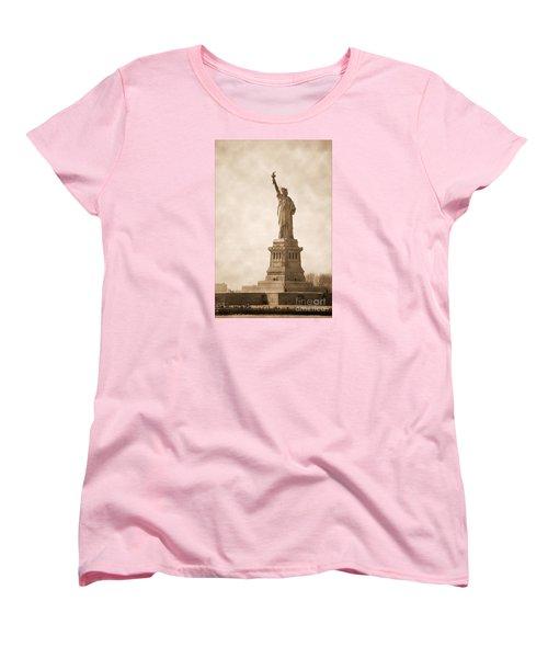 Vintage Statue Of Liberty Women's T-Shirt (Standard Cut) by RicardMN Photography
