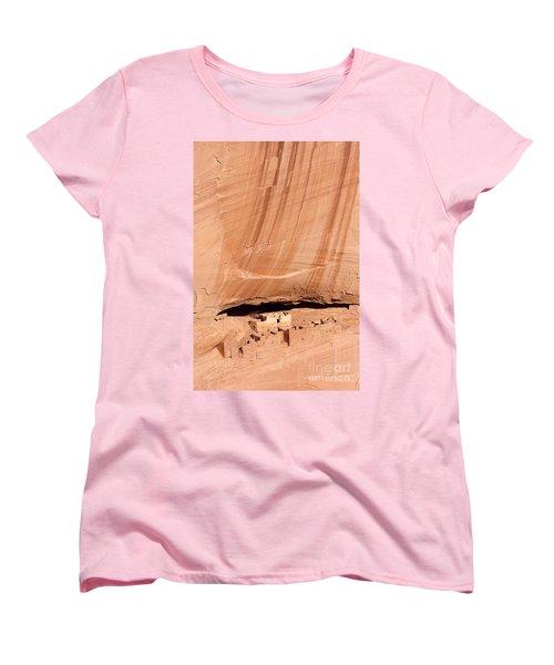White House Ruins Women's T-Shirt (Standard Cut) by Mike  Dawson
