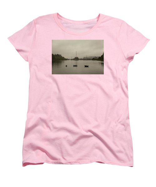 Fishing On Foggy Columbia River Women's T-Shirt (Standard Fit)