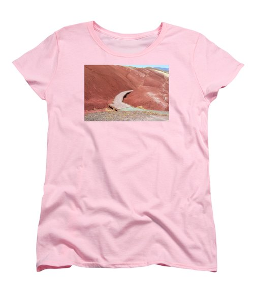 Hiking Loop Boardwalk At Painted Hills Cove Women's T-Shirt (Standard Fit)