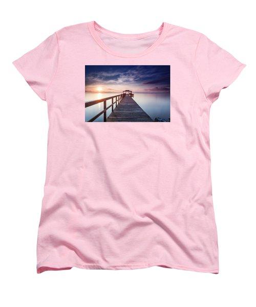 Women's T-Shirt (Standard Cut) featuring the photograph Lumos Maxima by Edward Kreis