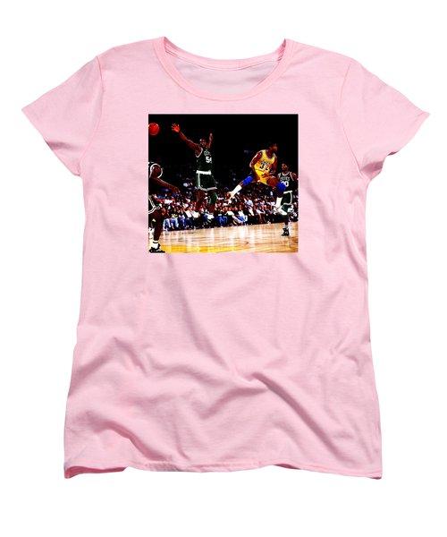 Magic Johnson No Look Pass 7a Women's T-Shirt (Standard Cut) by Brian Reaves