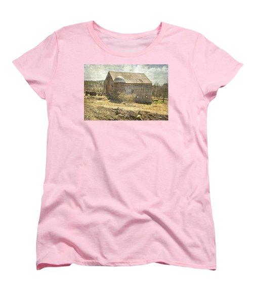 Old Barn Still Standing  Women's T-Shirt (Standard Cut) by Betty Pauwels