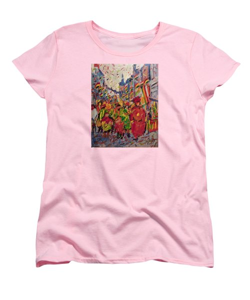 Red Yellow Green There They Come Vreug En Neugter Women's T-Shirt (Standard Fit)