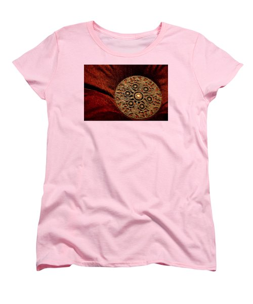 Women's T-Shirt (Standard Cut) featuring the photograph Royalty by Steven Richardson