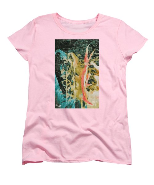 Women's T-Shirt (Standard Cut) featuring the photograph Seaweed by William Wyckoff