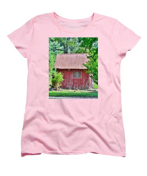 Small Red Barn - Lewes Delaware Women's T-Shirt (Standard Cut)