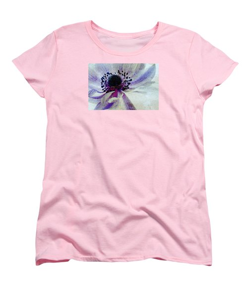 Windflower Women's T-Shirt (Standard Fit)