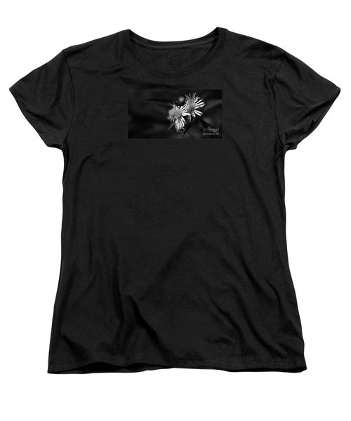 Dames En Noir Women's T-Shirt (Standard Cut) by Linda Shafer