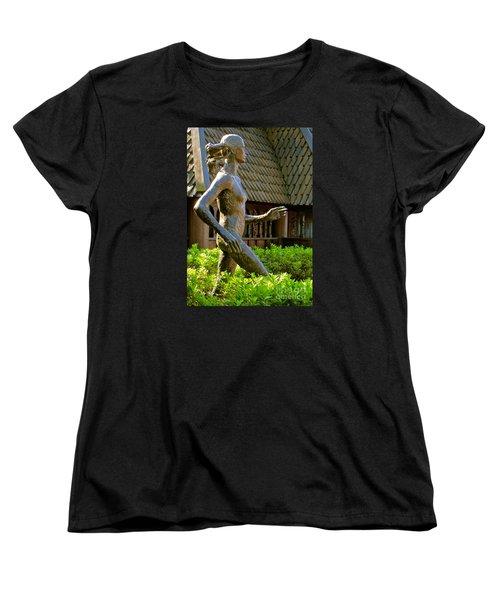 Women's T-Shirt (Standard Cut) featuring the photograph Grete Waitz Sculpture by Joy Hardee
