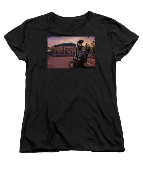 Hank Aaron Statue Women's T-Shirt (Standard Cut) by Tom Gort