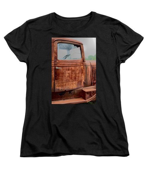 Women's T-Shirt (Standard Cut) featuring the photograph Hop In by Lynn Sprowl
