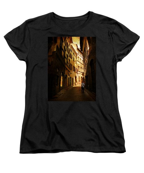 Women's T-Shirt (Standard Cut) featuring the photograph Il Turista by Micki Findlay