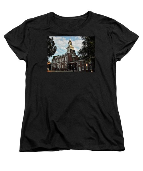 Women's T-Shirt (Standard Cut) featuring the photograph Independence Hall by Ed Sweeney