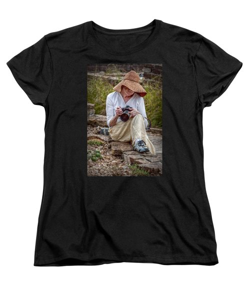 Photographer Women's T-Shirt (Standard Cut) by Linda Unger
