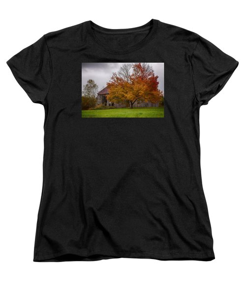 Women's T-Shirt (Standard Cut) featuring the photograph Rainbow Of Color In Front Of Nh Barn by Jeff Folger