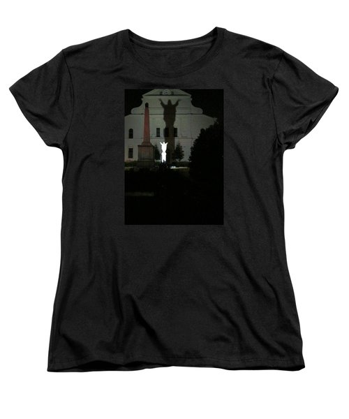 Saint Louis Cathedral Courtyard - New Orleans La Women's T-Shirt (Standard Cut)