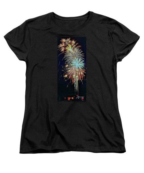 The Last Shot... Women's T-Shirt (Standard Cut) by Daniel Thompson