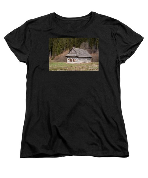 Women's T-Shirt (Standard Cut) featuring the photograph Old Log House by Les Palenik