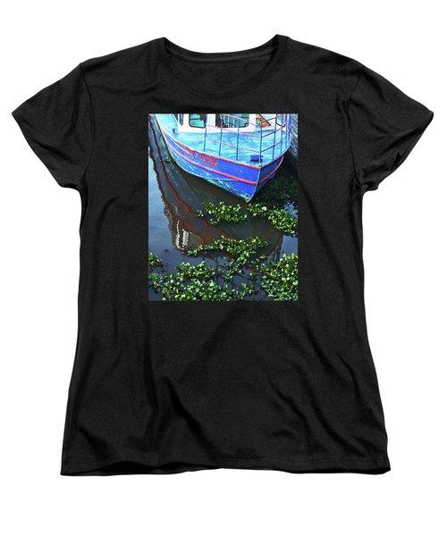 Cap'n Tee Henderson Swamp Women's T-Shirt (Standard Cut) by Lizi Beard-Ward