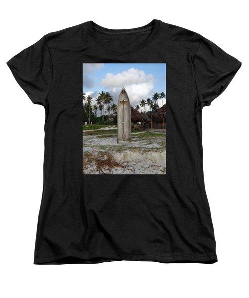 Dhow Wooden Boat As A Beach Shower Women's T-Shirt (Standard Fit)
