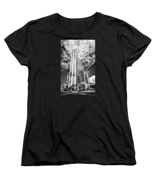 Fla-150531-nd800e-25126pa31-bw Women's T-Shirt (Standard Cut) by Fernando Lopez Arbarello