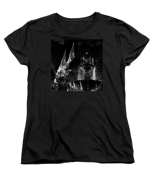 Fountain And Spires Women's T-Shirt (Standard Cut)
