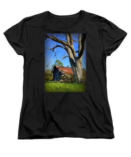 Georgia Barn Women's T-Shirt (Standard Cut) by Carla Parris