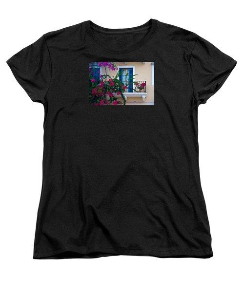 Greek Beauty Women's T-Shirt (Standard Cut)