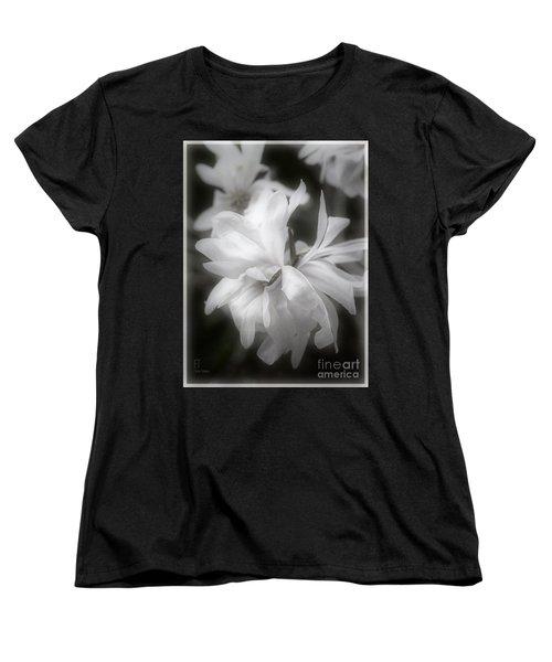 Lisa Women's T-Shirt (Standard Cut) by Elaine Teague