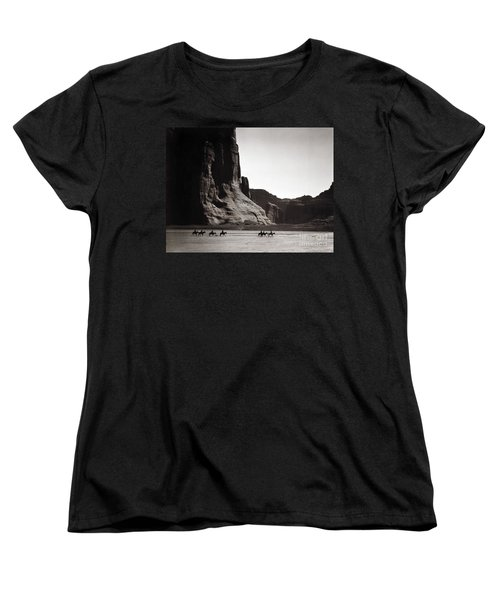 Navajos: Canyon De Chelly, 1904 Women's T-Shirt (Standard Cut) by Granger