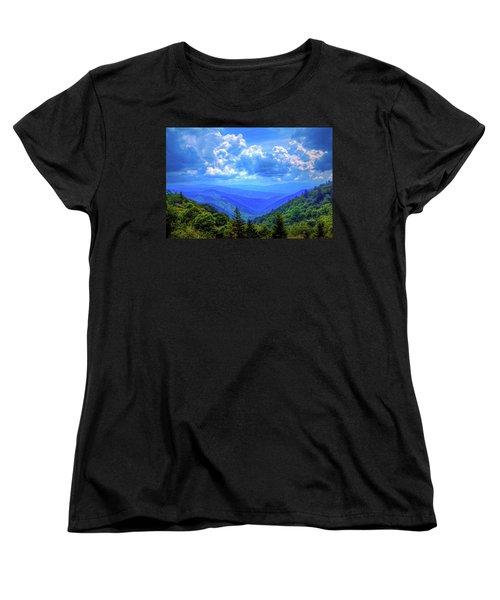 Newfound Gap Women's T-Shirt (Standard Cut) by Dale R Carlson