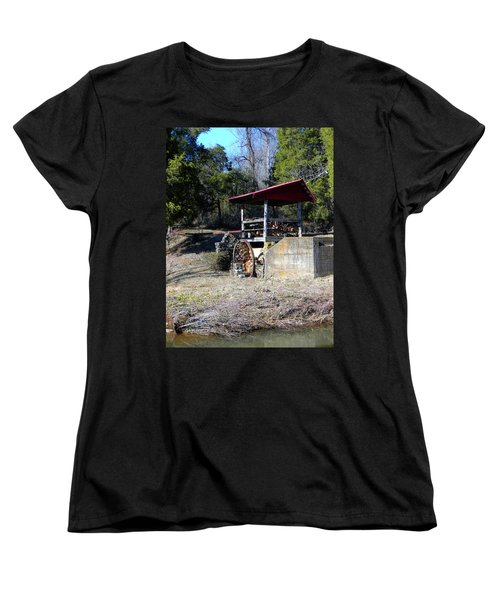Women's T-Shirt (Standard Cut) featuring the photograph Old Mill Of Guilford Pumphouse by Sandi OReilly