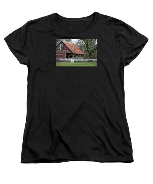 Red Barn With A Rin Roof Women's T-Shirt (Standard Cut)
