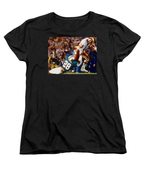 Riggos Run Women's T-Shirt (Standard Cut) by Paul Van Scott