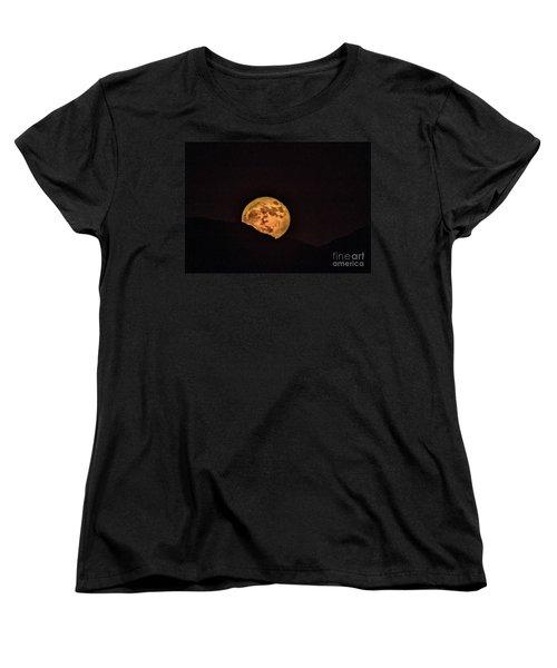 Women's T-Shirt (Standard Cut) featuring the photograph Rising Supermoon by Robert Bales
