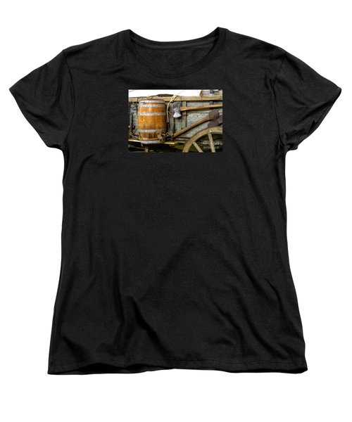 Side View Of A Covered Wagon Women's T-Shirt (Standard Cut) by Linda Phelps