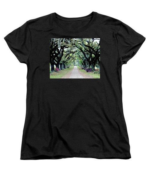 St Francisville Plantation Women's T-Shirt (Standard Cut) by Lizi Beard-Ward
