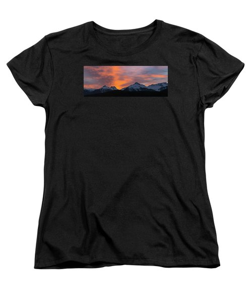 Sunset Over Tantalus Range Panorama Women's T-Shirt (Standard Fit)