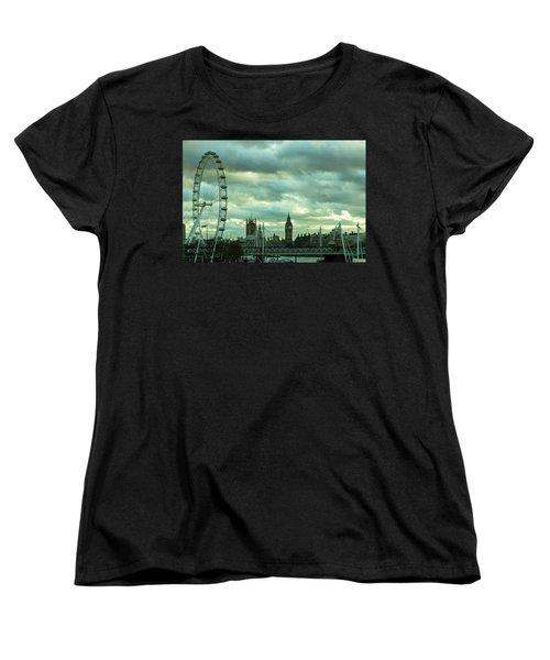 Thames View 1 Women's T-Shirt (Standard Cut) by Steven Richman